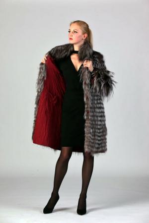 Двусторонее пальто с мехом чернобурки